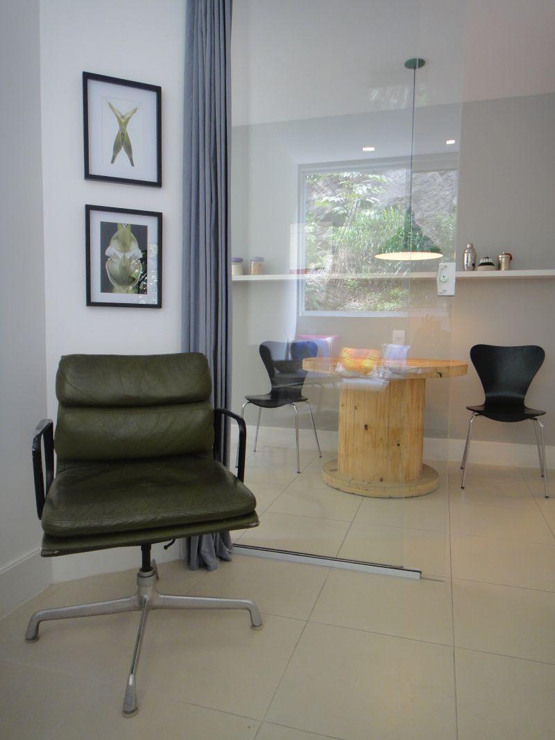 Chaise cuir Eames