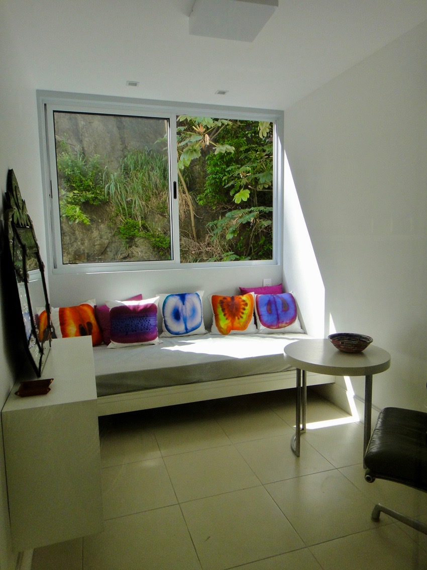 Single Bedroom 1 2